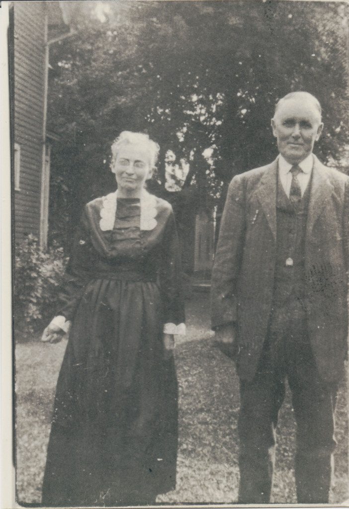 Lavada Jane (McKitrick) and Eber Mason. Probably taken before 1924. Photo in possession of Amy Crow.